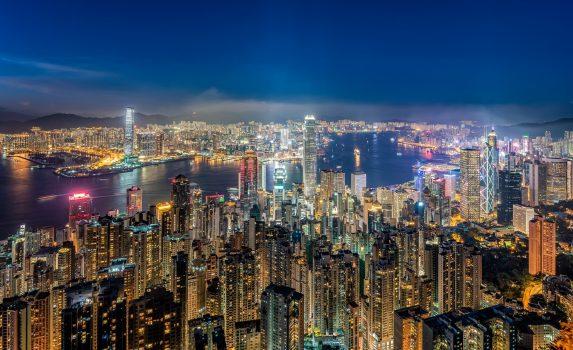 夜の香港の風景