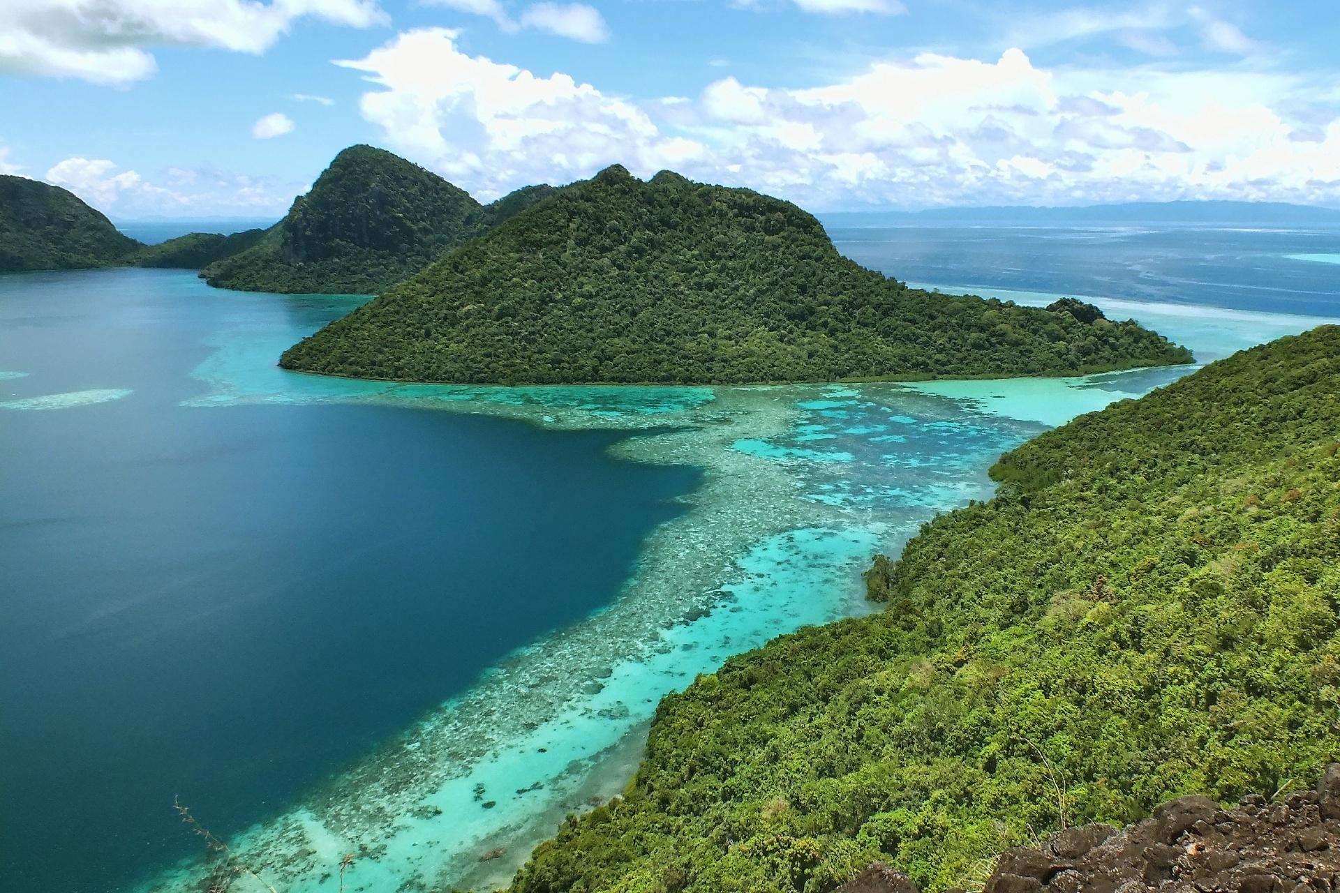 ボヘイ ドゥラン島の風景 マレーシアの風景