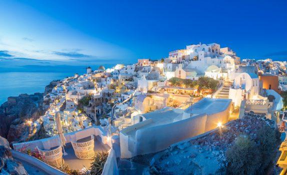 サントリーニ島 夕暮れのイア村の風景 ギリシャの風景