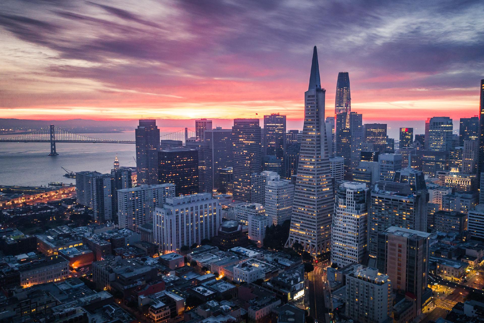 朝のサンフランシスコ アメリカの風景