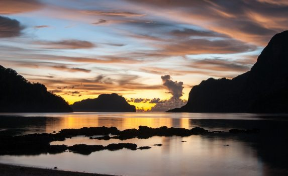 夕暮れのエル・ニド パラワン島 フィリピンの風景