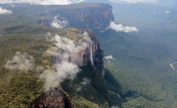 ギアナ高地とエンジェルフォールズ ベネズエラの風景