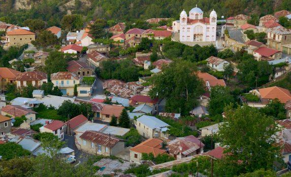 山あいの小さな町の風景 キプロスの風景