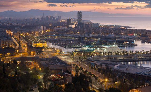 バルセロナの朝の風景 スペインの風景
