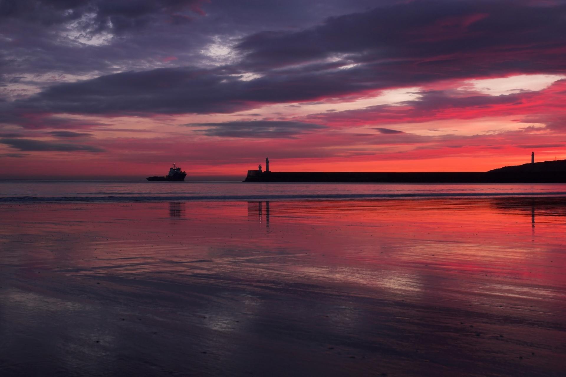 夜明けのアバディーン 浜辺から見る風景 スコットランドの風景