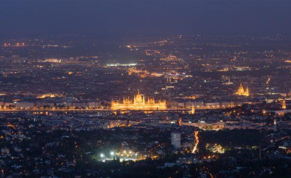 エルジェベートから見るブダペストの眺め ハンガリーの風景