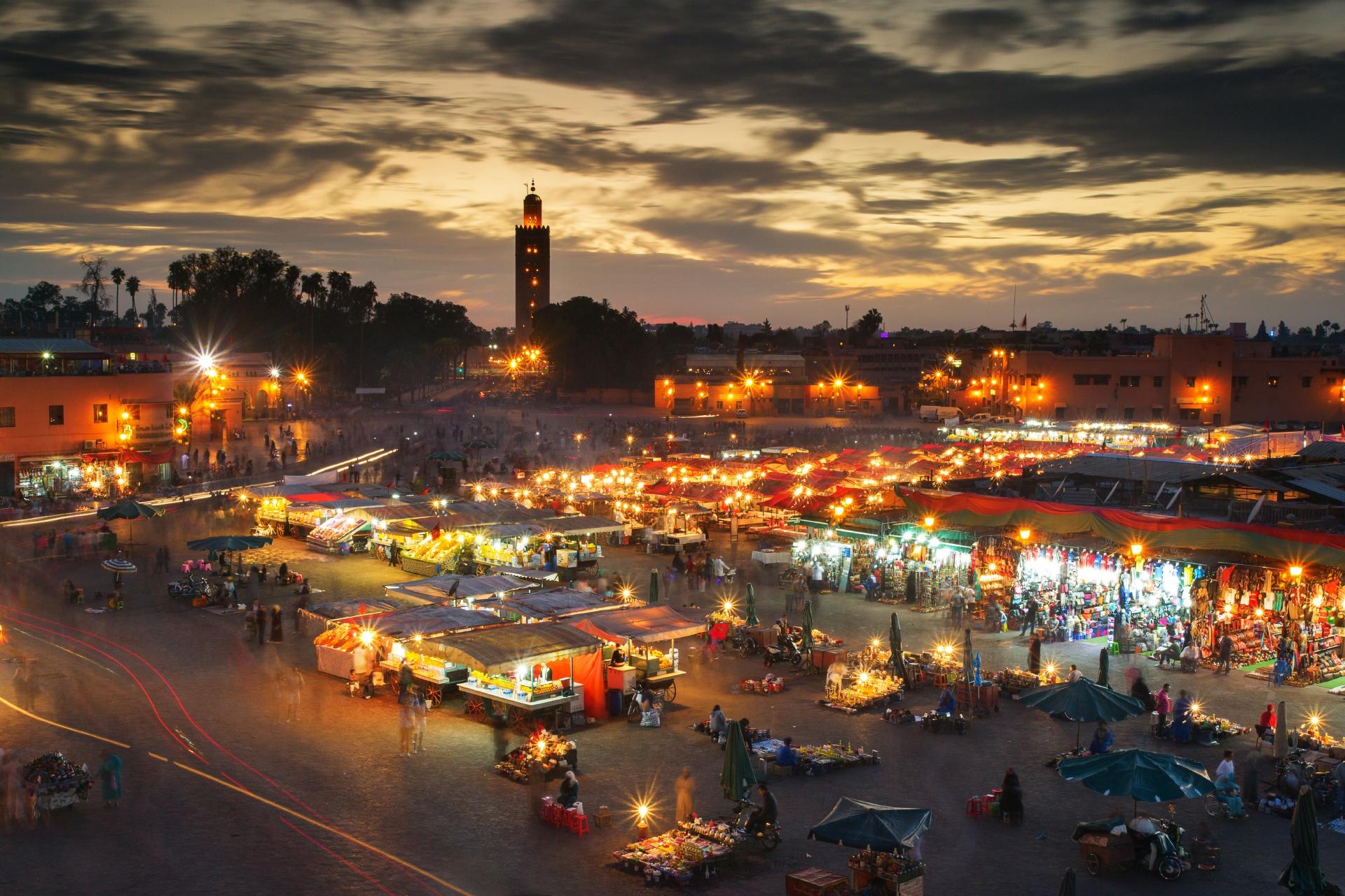 夕暮れのマラケシュ モロッコの風景