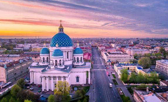 夕暮れのサンクトペテルブルク ロシアの風景
