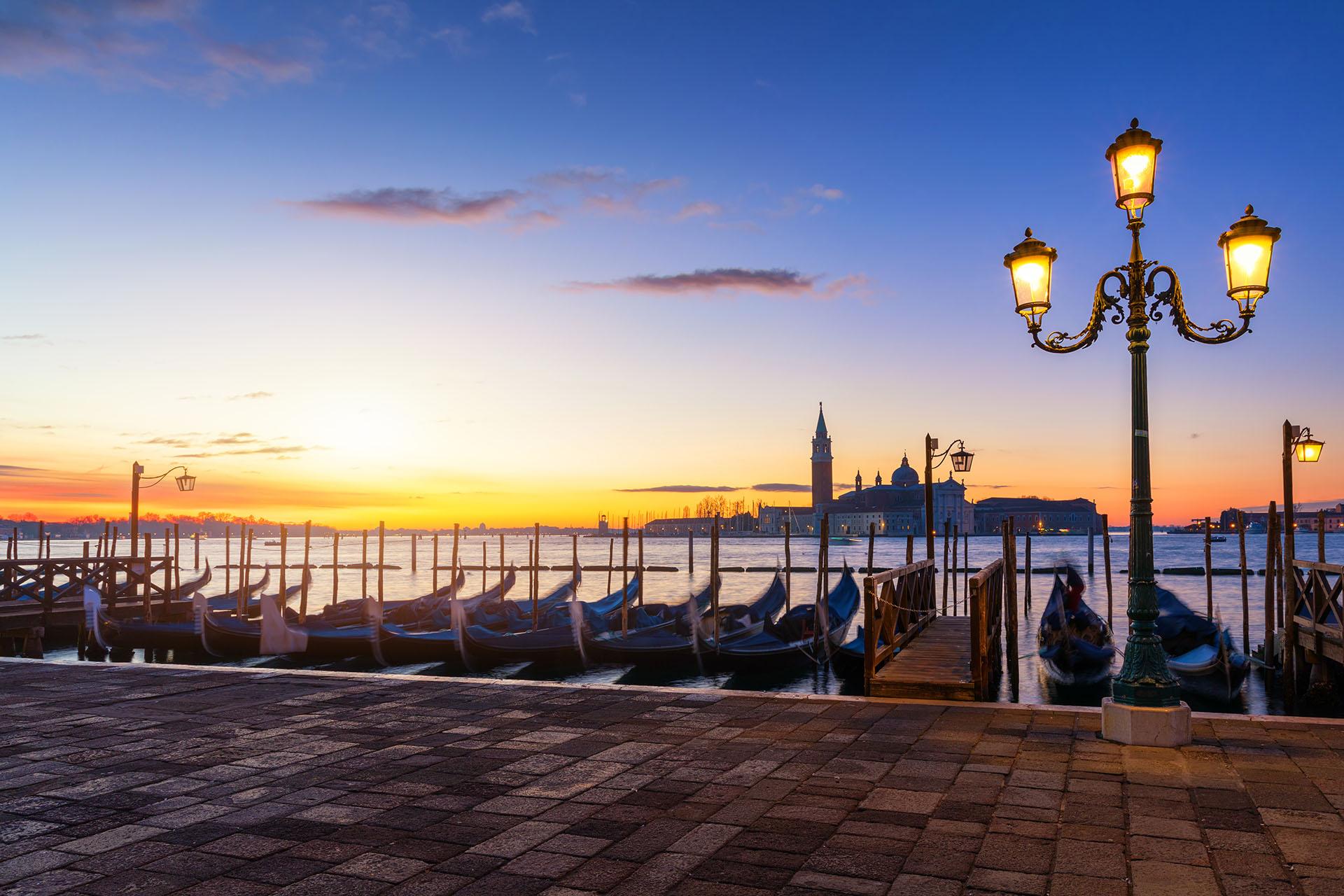 朝のヴェネツィアの風景 イタリアの風景