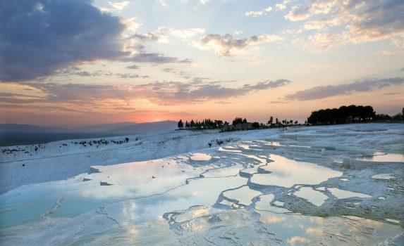 夕暮れのパムッカレ トルコの風景