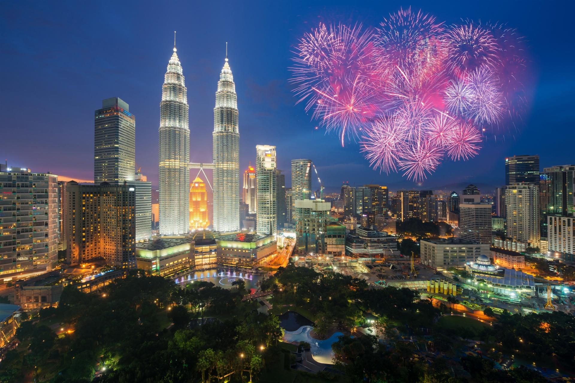 クアラルンプールの花火 マレーシアの風景