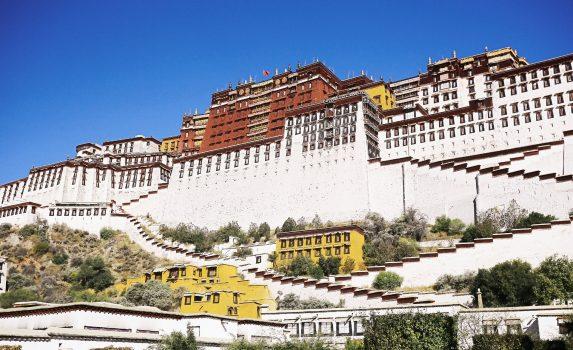 ラサのポタラ宮 チベットの風景