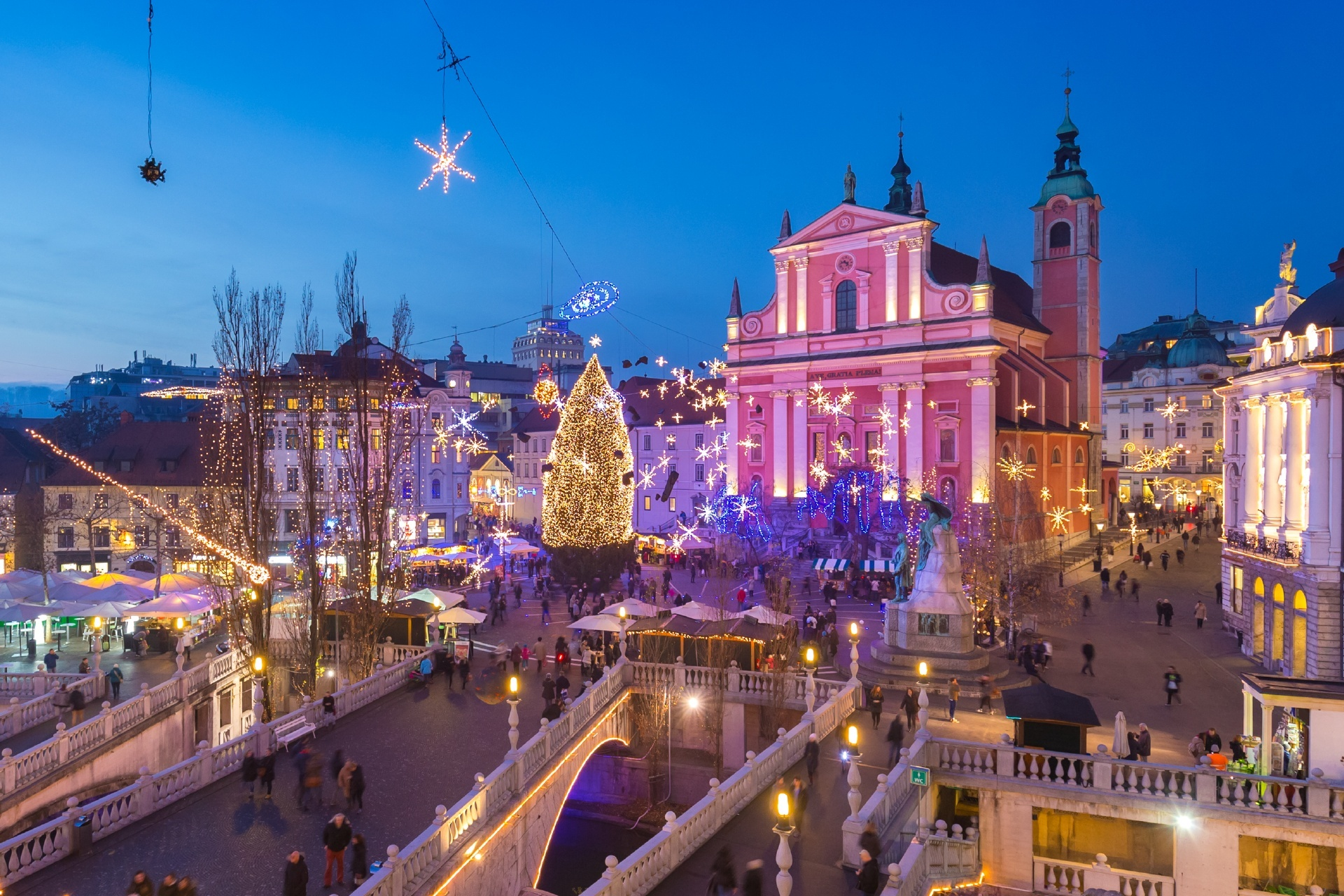 クリスマスのリュブリャナの風景 スロベニアの風景