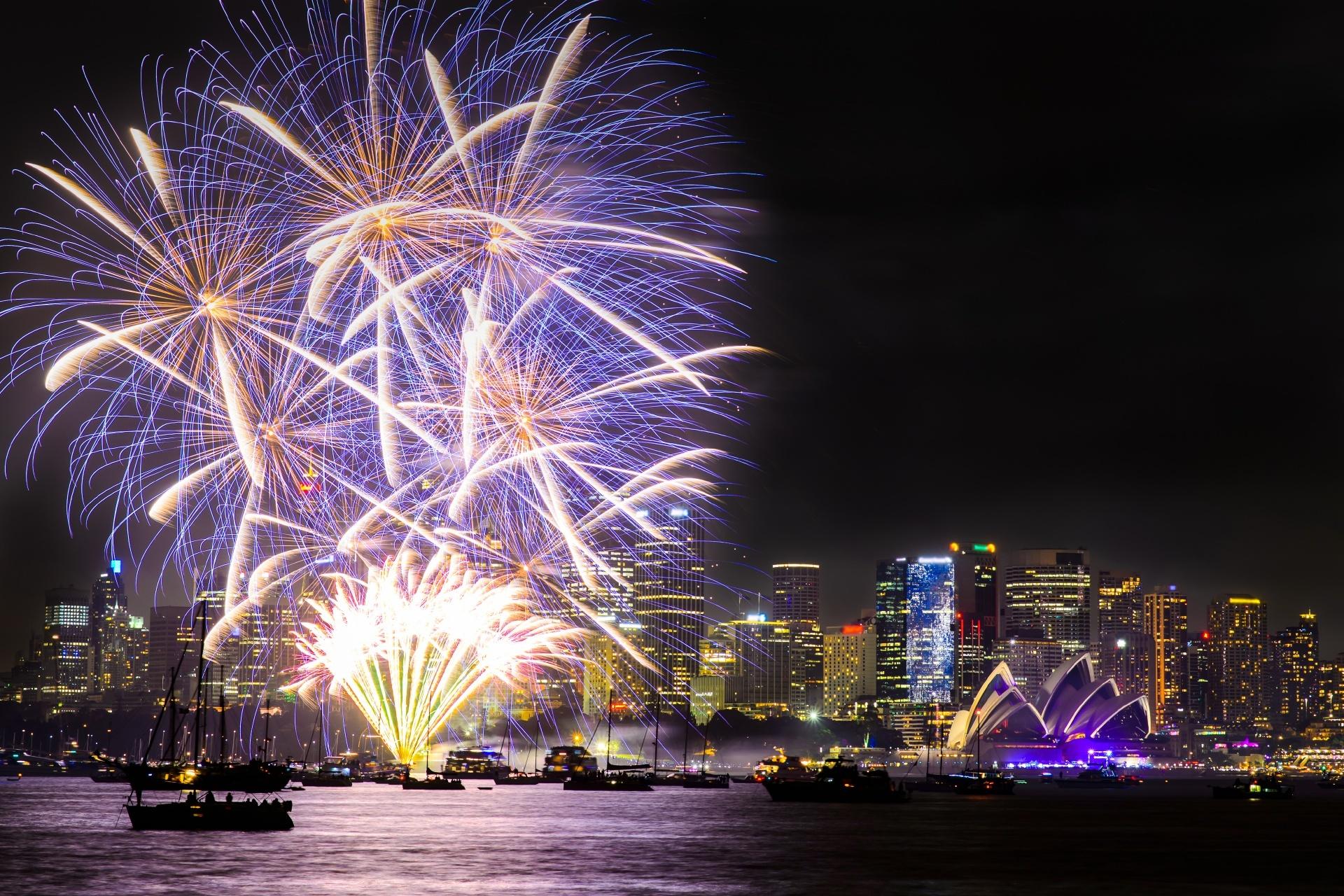 花火と大晦日のシドニーの風景 オーストラリアの風景