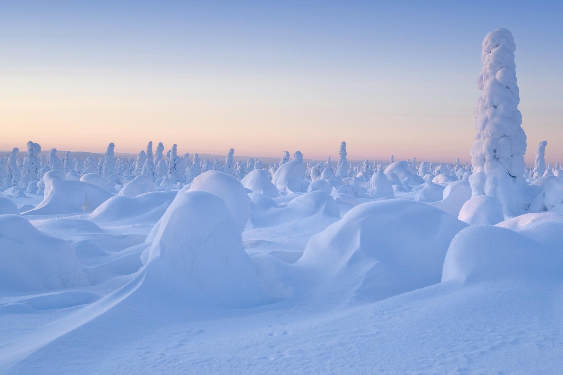 冬のウラル山脈の風景 ロシアの風景