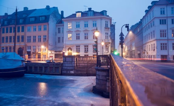 ニューハウンの冬の朝の風景 コペンハーゲン デンマークの風景