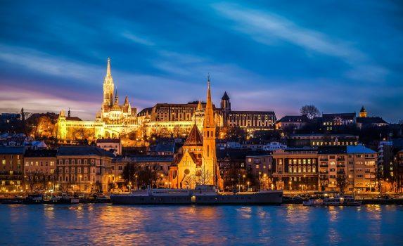 ブダペストの夕暮れ ハンガリーの風景