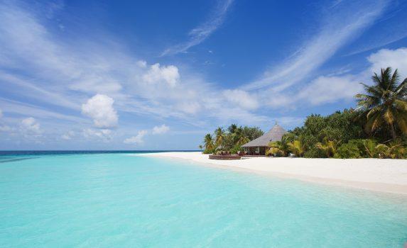 モルディブの海と砂浜 モルディブの風景