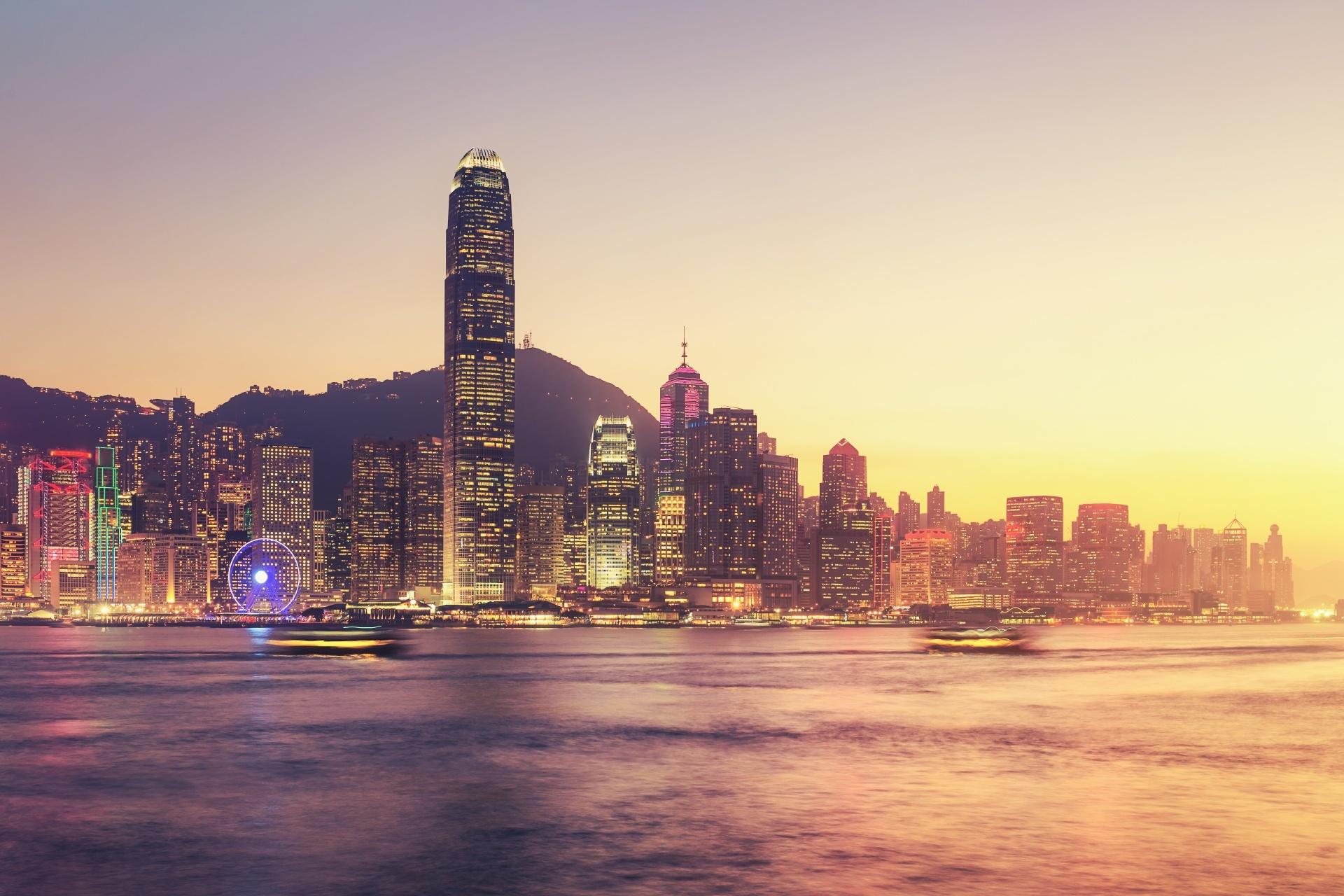 夕暮れ時の香港 ビクトリア港と香港の街並み 香港の風景