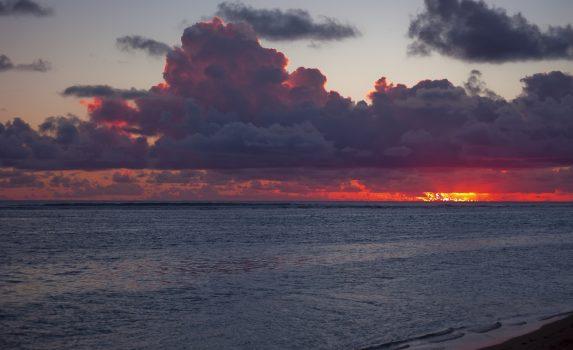 夕暮れのポリネシア ラロトンガの海 クック諸島の風景