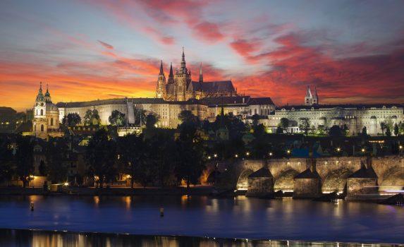 夜明けのプラハの風景 チェコの風景