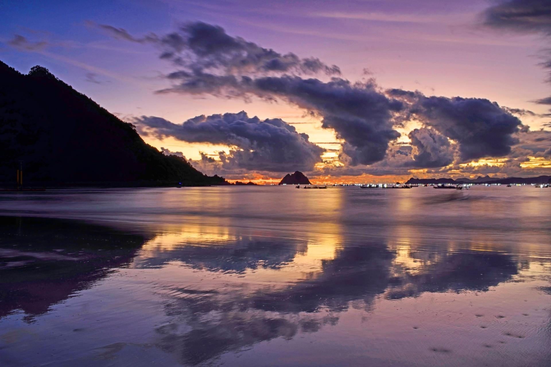 セロンベラナックビーチの夕暮れ インドネシアの風景
