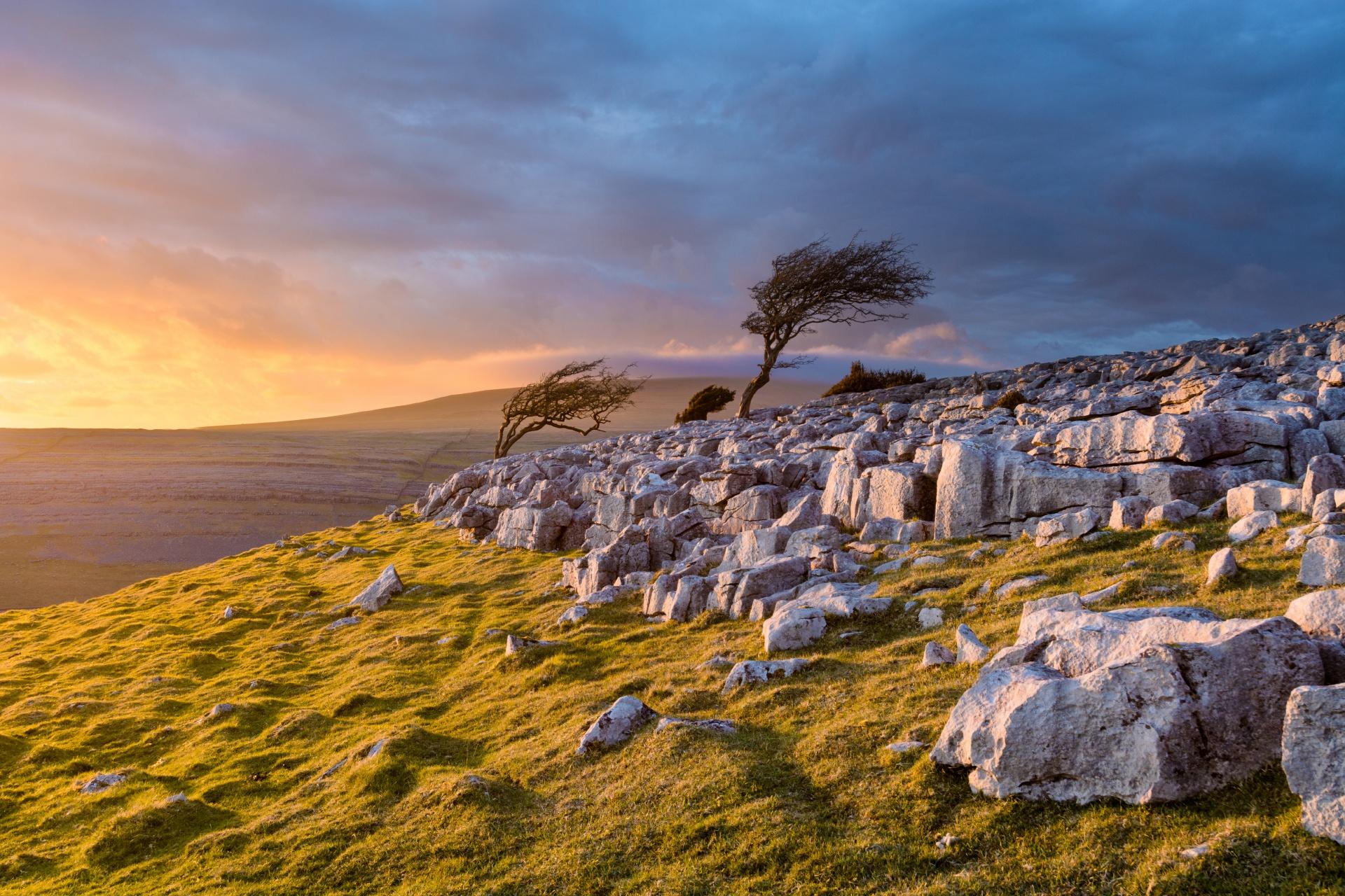 夕暮れのヨークシャー・デイルズの風景 イギリスの風景