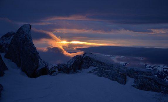 冬のアルプスの夕暮れ エギーユ・デュ・ミディ フランスの風景