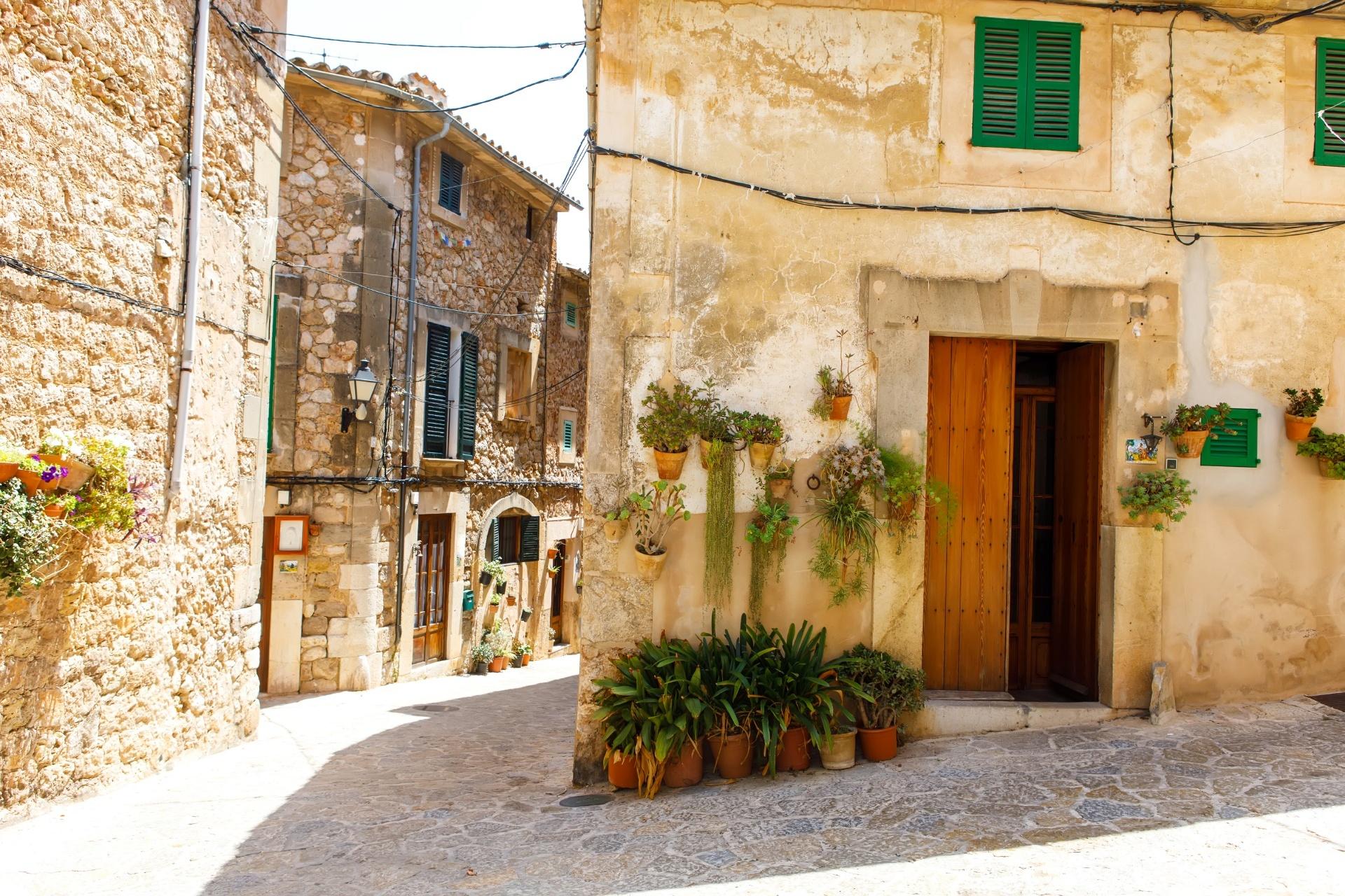 マヨルカ島 バルデモーサの路地の風景 スペインの風景