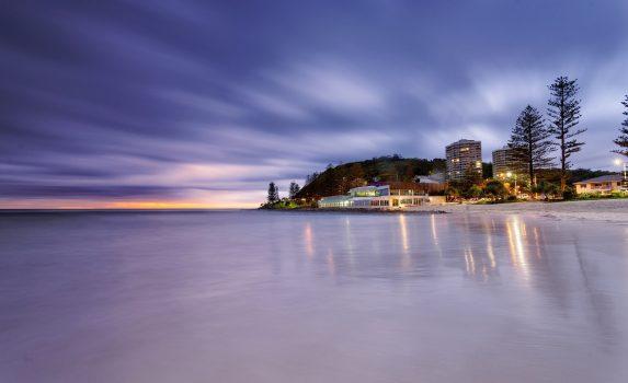 夕暮れのバーリー・ヘッズ・ビーチ オーストラリアの風景