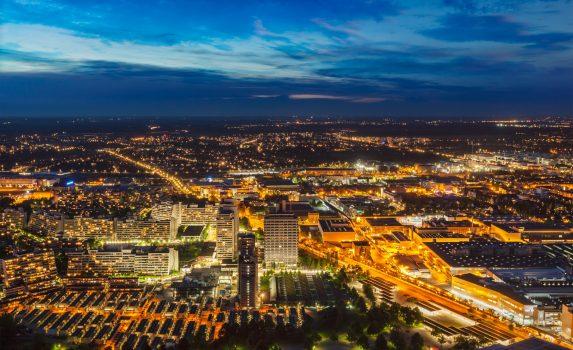 ミュンヘンの夜景 オリンピア塔から見る夜のミュンヘンの街並み ドイツの風景