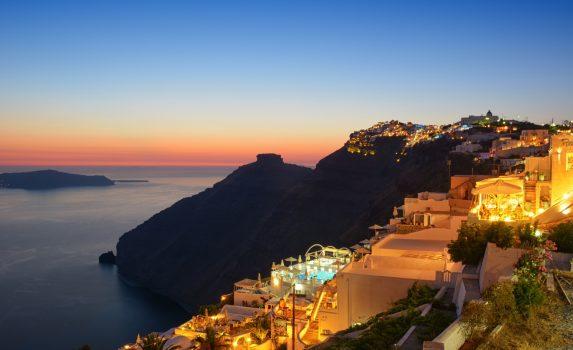 夕暮れのサントリーニ島 ギリシャの風景