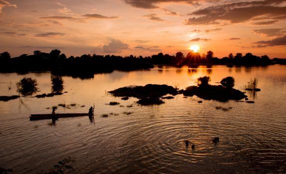 夕暮れのメコン川の風景 ドンデット島 ラオスの風景