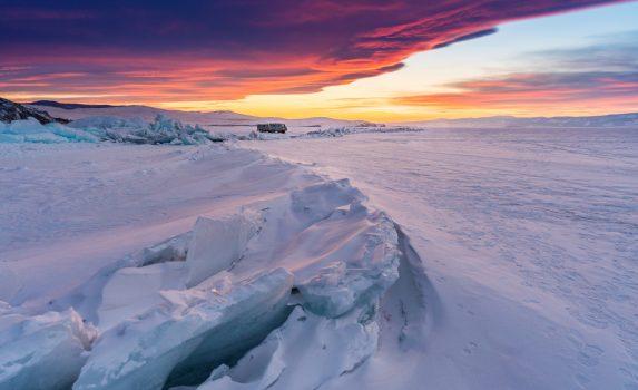 冬のバイカル湖 夕暮れの風景 ロシアの風景