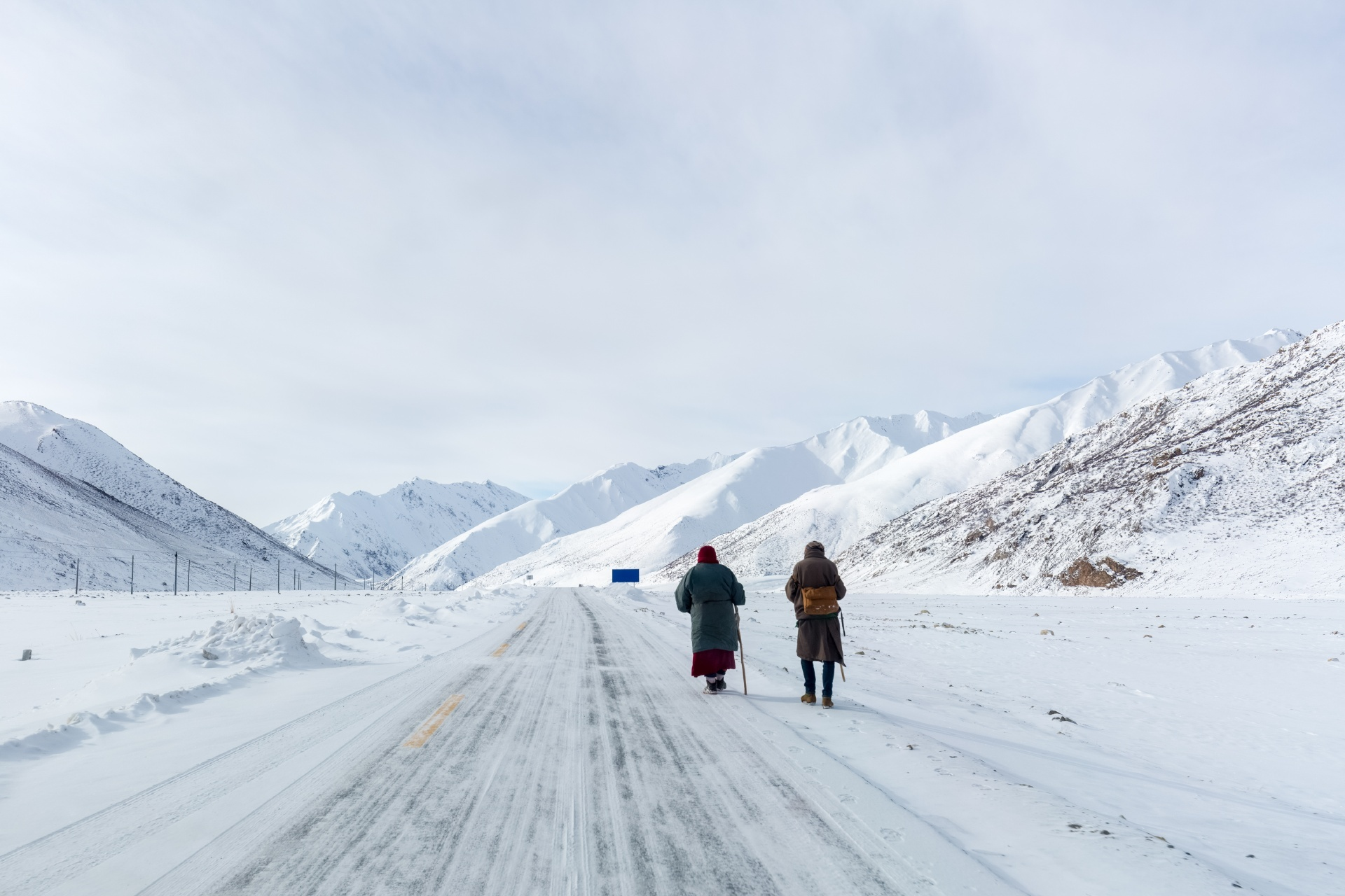 冬のチベットの風景