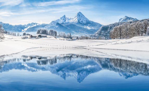 冬のアルプスの風景