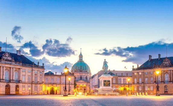 コペンハーゲンのアマリエンボー宮殿 デンマークの風景