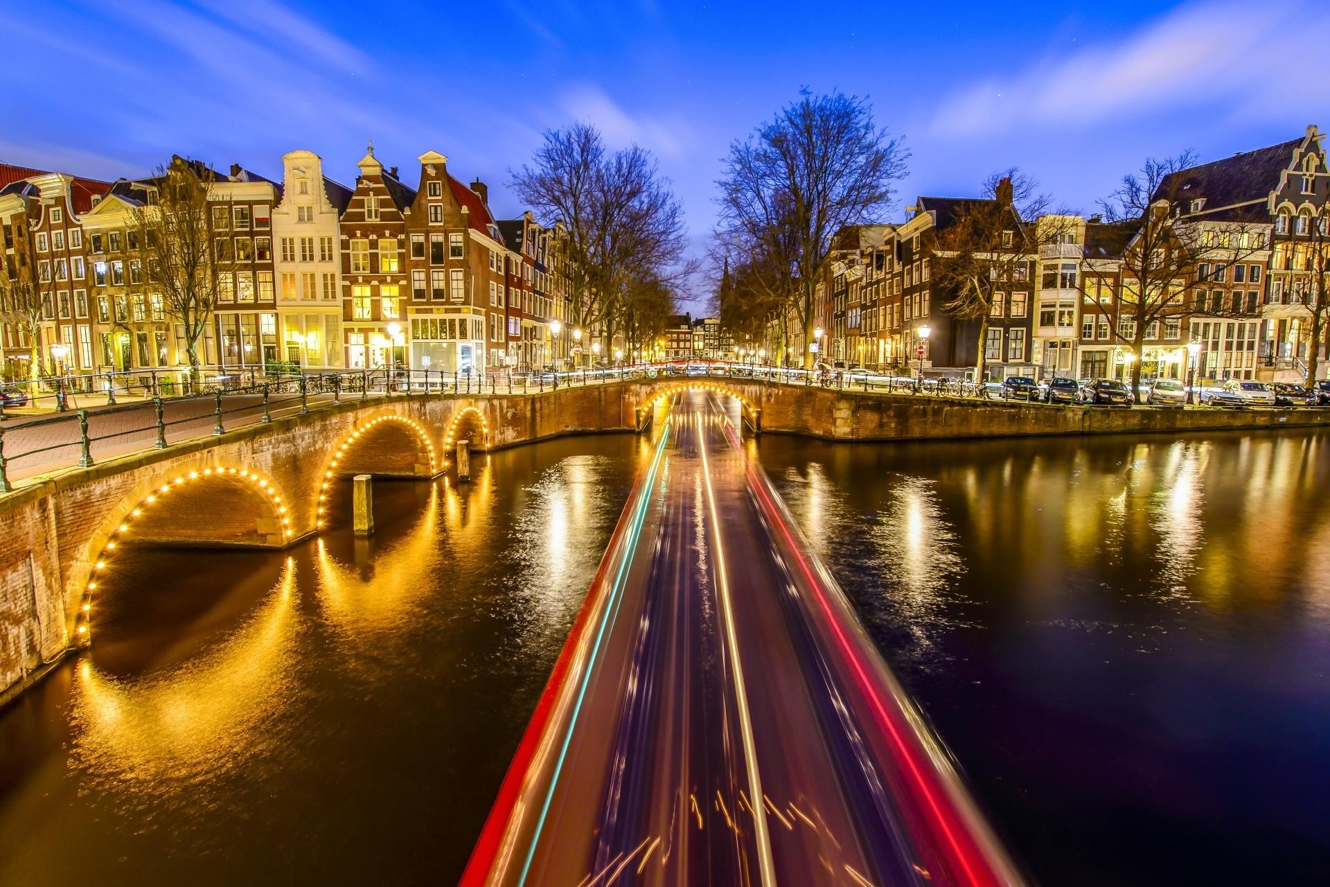 トワイライトタイムのアムステルダムの風景 オランダの風景
