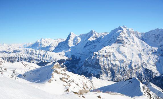 アイガー、メンヒ、ユングフラウ スイスアルプスの風景 スイスの風景