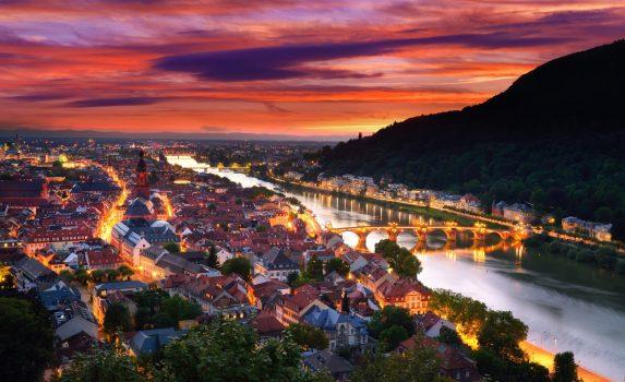 夕暮れのハイデルベルク ドイツの風景