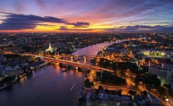 夕暮れのバンコク チャオプラヤ川の風景 タイの風景