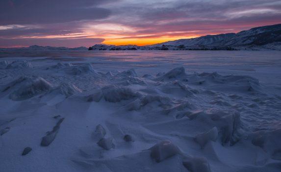残光 冬のバイカル湖 シベリアの風景 ロシアの風景