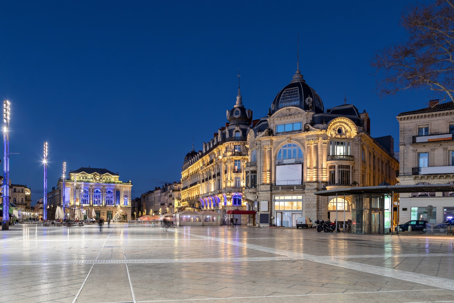 夕暮れのモンペリエ コメディ広場の風景 フランスの風景