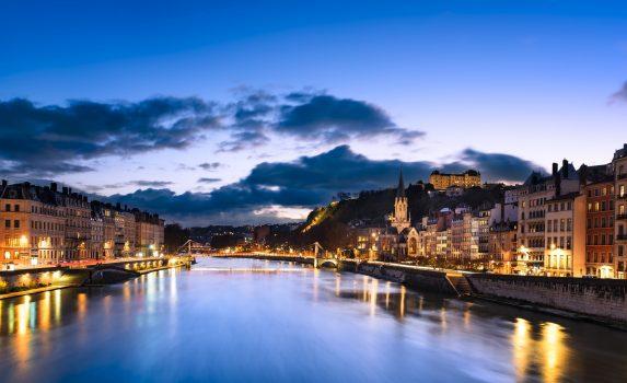 夕暮れのソーヌ川の眺め リヨン フランスの風景