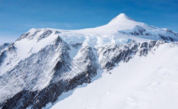 ヴィンソン・マシフ 南極の風景