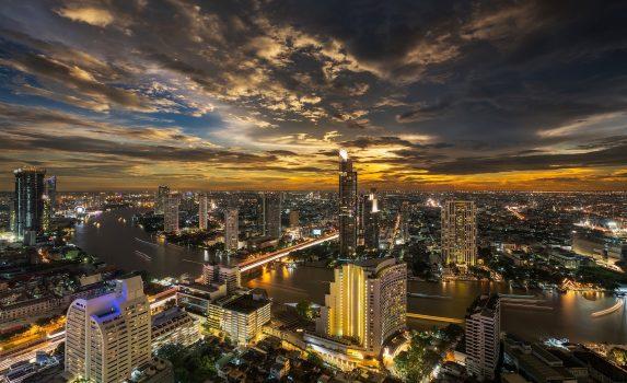 バンコクの夕方の風景 タイの風景