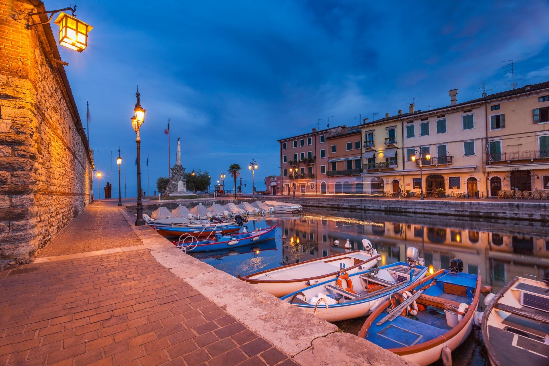 夜のラツィーゼ イタリアの風景
