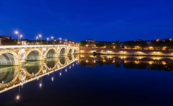 夜のトゥールーズ ポンヌフの風景 フランスの風景