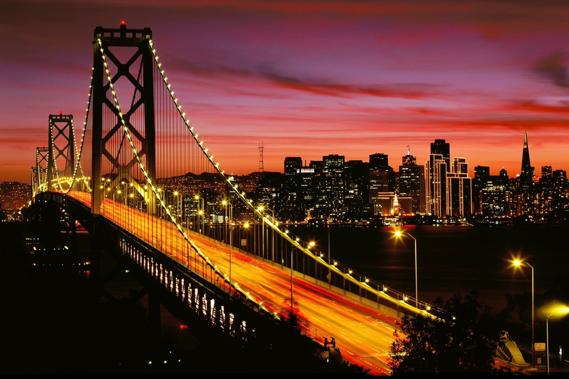 夕暮れのベイブリッジ サンフランシスコ アメリカの風景