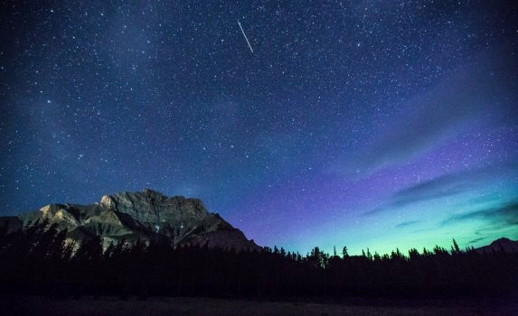 オーロラの風景 バンフ カナダの風景